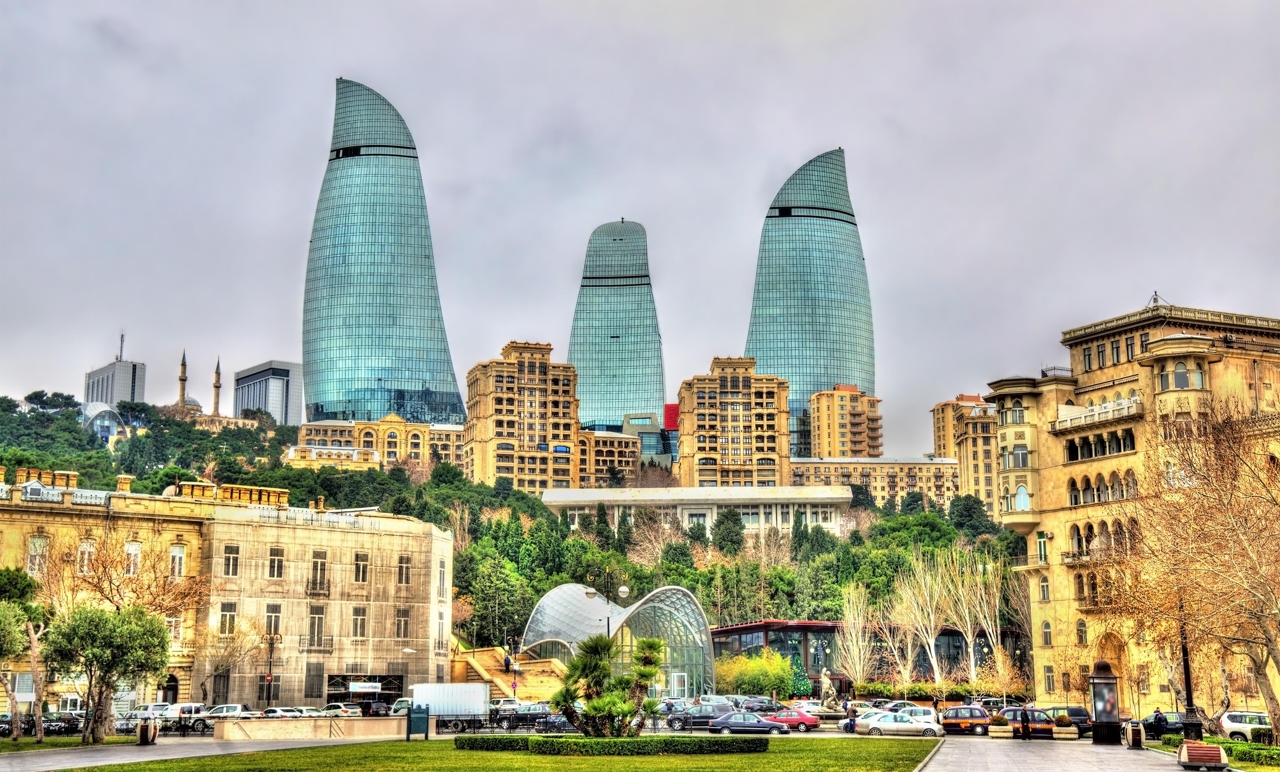Весенний Баку
