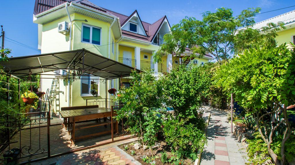 Гостевой дом «Райский Уголок»
